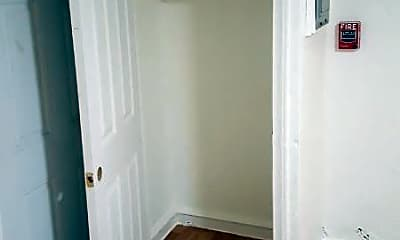 Bathroom, 6142 N 8th St, 2