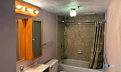 Bathroom, 2500 Mystic Valley Pkwy, 1