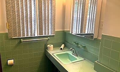 Bathroom, 4 Croyden St, 2