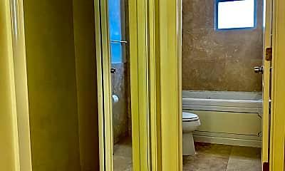 Bathroom, 31 Kennedy St NW 103, 2