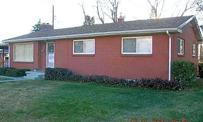 Building, 537 150 E, 0