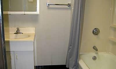 Bathroom, 10 Harvard Pl, 2