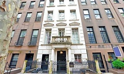 Building, 113 E 64th St, 0