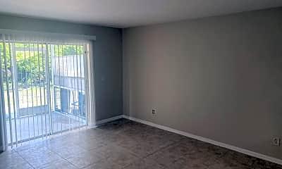 Living Room, 135 Meadow Rd, 2