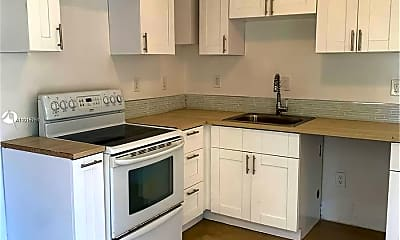 Kitchen, 2123 NW 48th St 2, 1