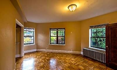 Living Room, 2 Elmwood Ave, 2