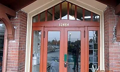 12440 SW Broadway St, 1