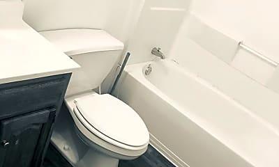 Bathroom, 621 Crescent Dr, 2