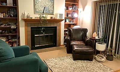 Living Room, 221 River St, 2