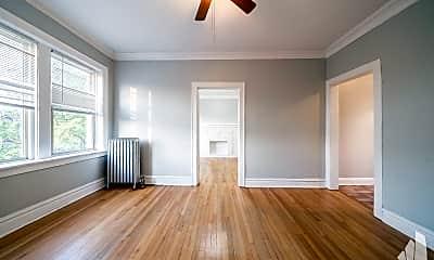 Bedroom, 3107 W Ainslie St, 1