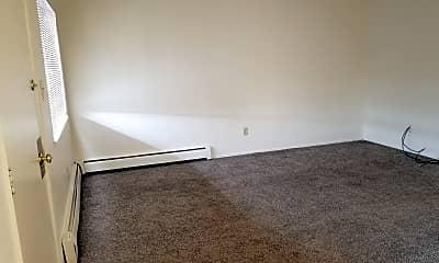 Living Room, 460 E Grove St, 1