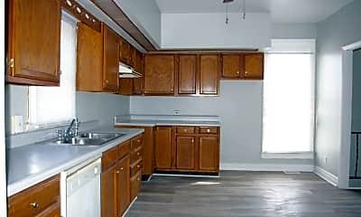 Kitchen, 669 S Windsor St, 1