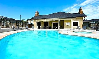 Pool, Regency Park at Queensgate, 1