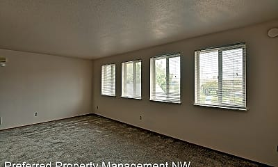 Living Room, 3306 Hoyt Ave, 1
