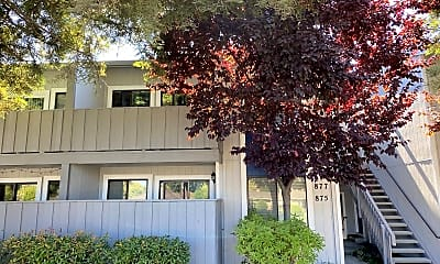Building, 877 Cherry Creek Cir, 1
