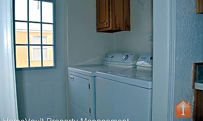 Kitchen, 211 Robinson Ave, 2
