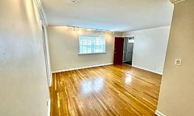Living Room, 3660 Peachtree Rd NE C3, 0