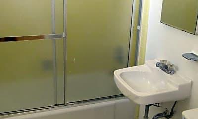 Bathroom, 919 Clinton St, 2