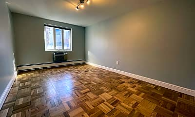 Living Room, 600 S Highland Ave, 1