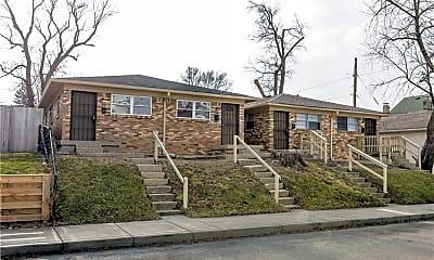 Building, 817 Iowa St, 1