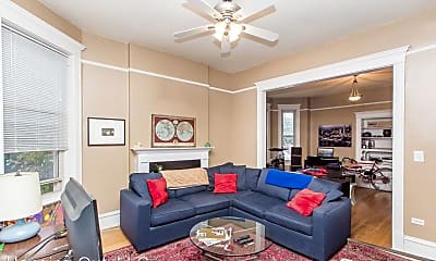 Living Room, 1657 N Maplewood Ave, #2F, 0