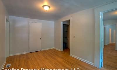 Bedroom, 905 W Rankin Ave, 1