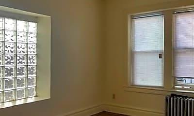 Bedroom, 168 S Clinton St, 2