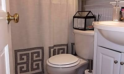 Bathroom, 21 Melrose St, 1
