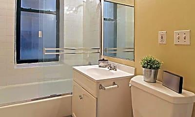 Bathroom, Chicago/Wabash, 2