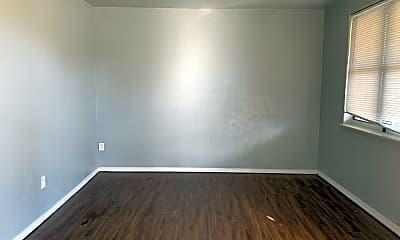Living Room, 1005 Bell Dr, 1