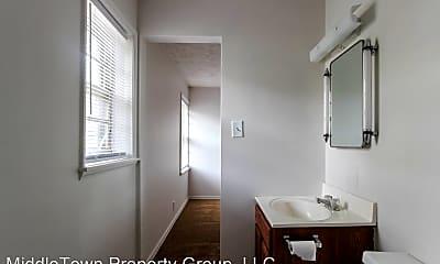 Bathroom, 1001 N Tillotson Ave, 1