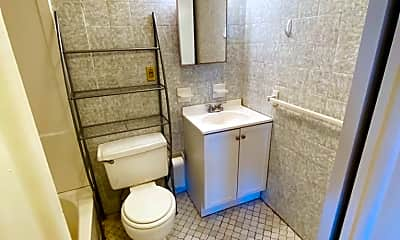 Bathroom, 614 2nd St 5, 2