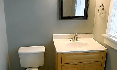 Bathroom, 402 Broadwater Ave, 2