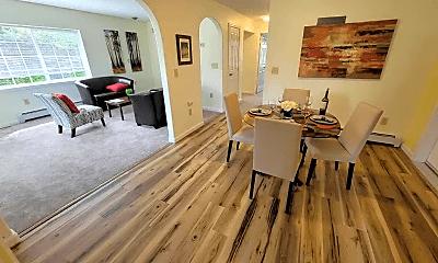 Living Room, 409 N Bunn St, 1