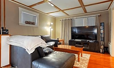 Living Room, 287 Beech St, 1