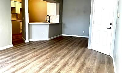 Living Room, 2025 E Campbell Ave 132, 0