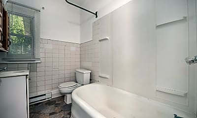 Bathroom, 32 Territorial Rd E 2, 2