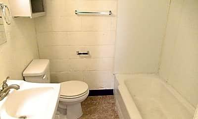 Bathroom, 2220 29th St, 2