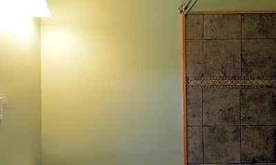 Bathroom, 1112 N Augusta Ave, 2