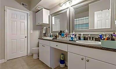 Bathroom, 204 W South St 1053, 2