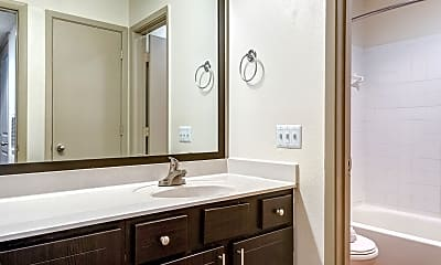 Bathroom, Madison Southpark, 2