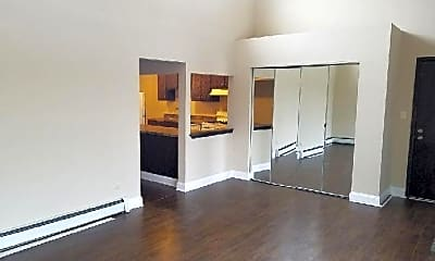 Living Room, 432 Pleasant Run Dr, 1