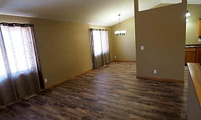 Spacious family room, 40 Arbor Lane, 1