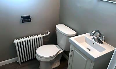 Bathroom, 969 Smith Ave S, 2