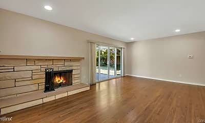 Living Room, 10151 Babbitt Ave, 1
