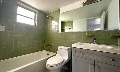 Bathroom, 435 NE 23rd St, 2