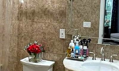 Bathroom, 994 Bunker Hill Ave, 2