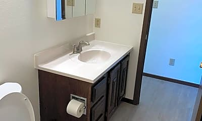 Bathroom, 603 3rd Ave NE, 2