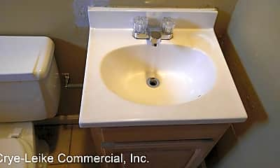 Bathroom, 929 B Fortwood St, 2