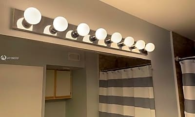 Bathroom, 2331 NW 33rd St 310, 2